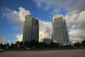 mia-beach-skyline
