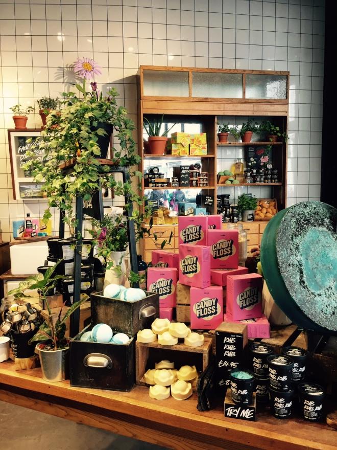 Lush Store3